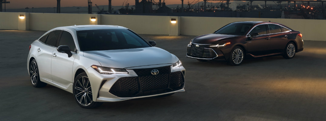 What are the Color Options for the 2019 Toyota Avalon and Avalon Hybrid?