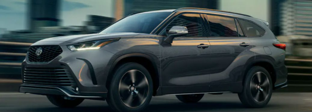 2021 Toyota Highlander in gray