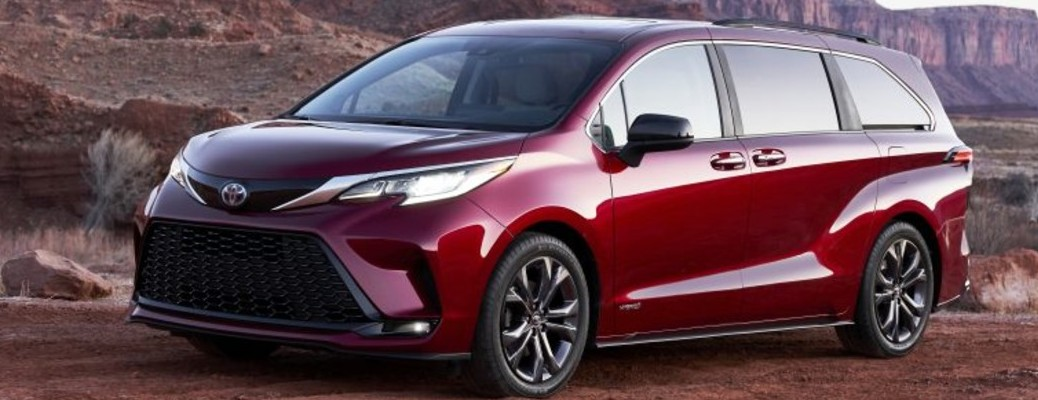 Side view of the 2021 Toyota Sienna