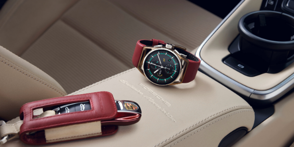Watch and key fob on arm rest in 2021 Porsche 911 Targa 4S Heritage Design Edition
