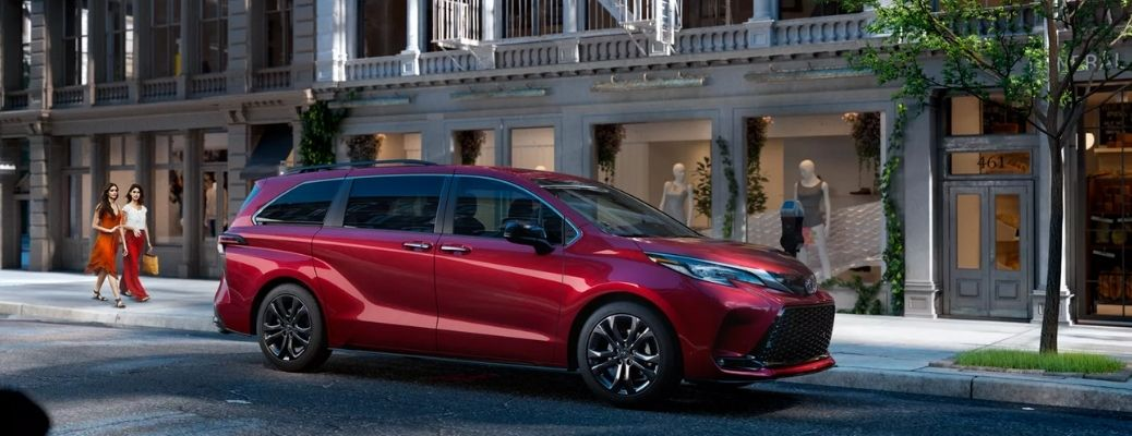 Sideview of a red 2022 Toyota Sienna parked on a road. WHat are the engine specifications?