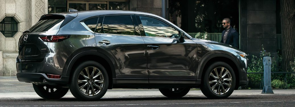 2019 Mazda CX-5 Diesel view from side