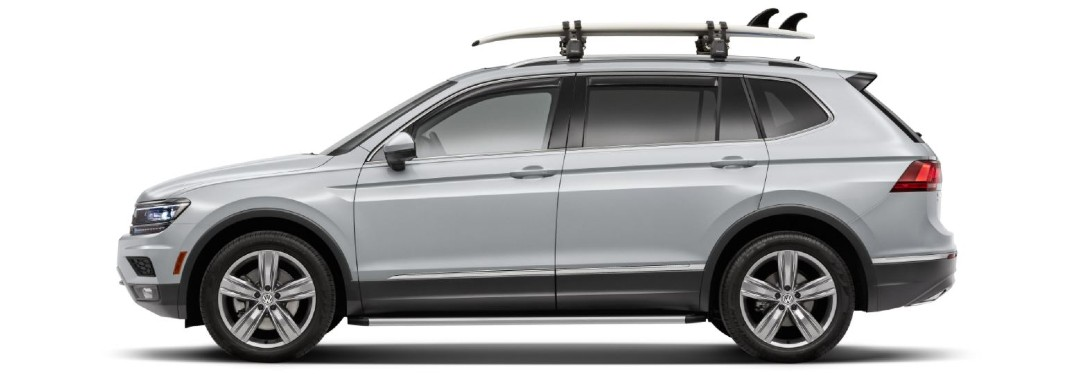 Does the 2021 Volkswagen Atlas offer a surfboard attachment accessory?