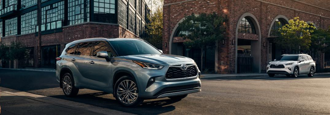 Exploring the Spacious Interior of the 2021 Toyota Highlander