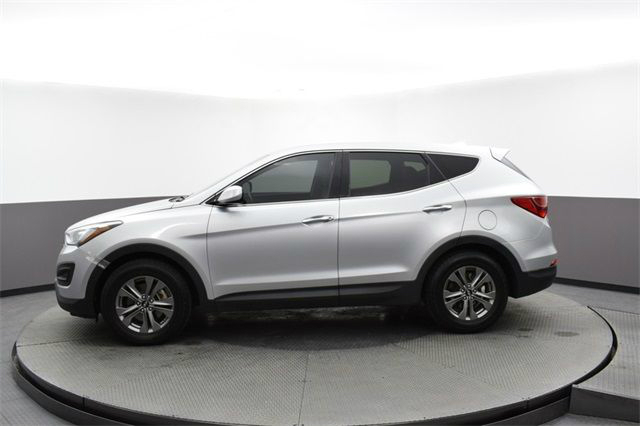 Side view of silver 2016 Hyundai Santa Fe Sport 2.4 Base