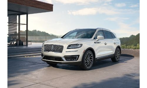 2020 Lincoln Nautilus white parked on platform with sky background