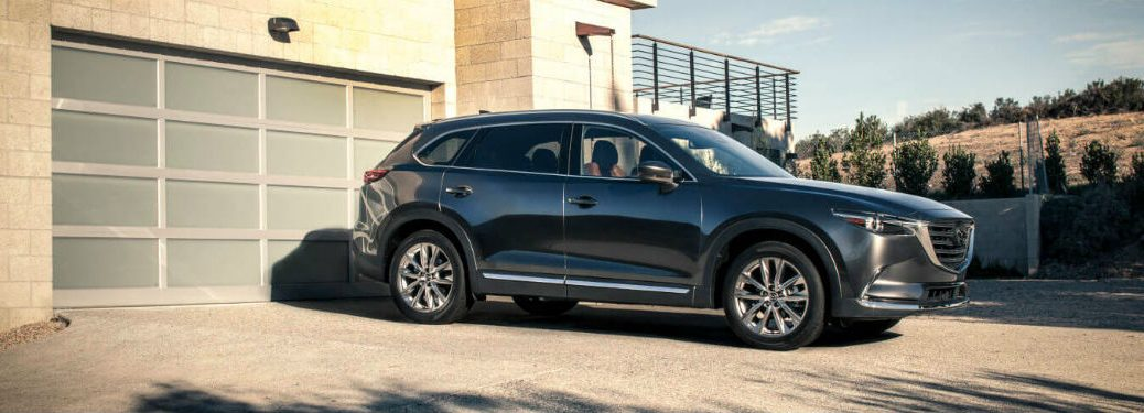 Passenger side view of the 2018 Mazda CX-9