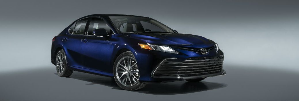 2021 Toyota Camry XLE Exterior Passenger Side Front Profile