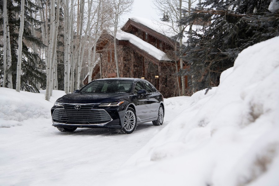 2021 Toyota Avalon Limited AWD Exterior Driver Side Front Angle