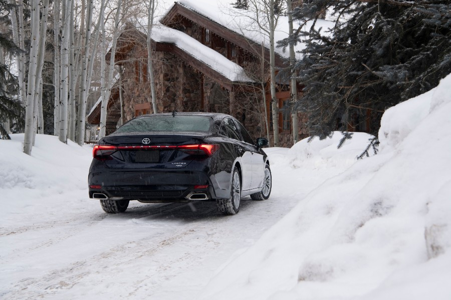 2021 Toyota Avalon Limited AWD Exterior Passenger Side Rear Angle