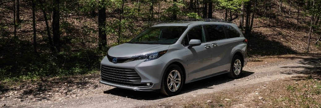 2022 Toyota Sienna Woodland Special Edition Exterior Driver Side Front Profile
