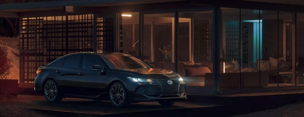2022 Toyota Avalon Front Right-Quarter View