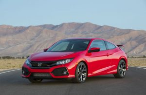2019 Honda Civic Si Coupe parked with a desert mountain in the background