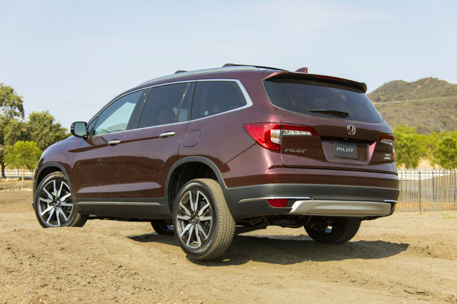 2021 Honda Pilot Elite Exterior Driver Side Rear Profile