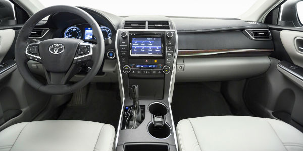 2017 Toyota Camry Interior Dashboard With Entune Touchscreen Display