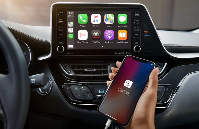 2020 Toyota C-HR Apple CarPlay system