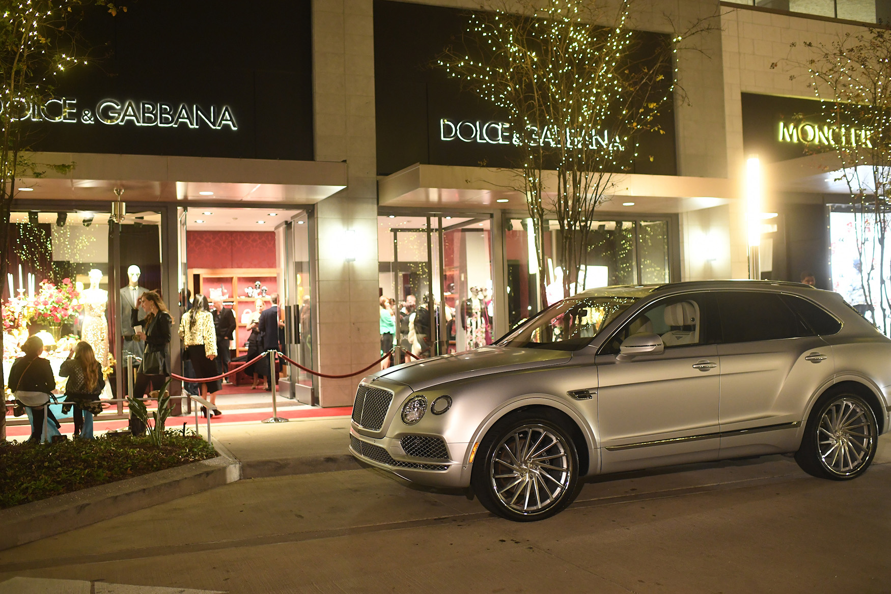 Bentley Houston Helping The Vintage Contessa Give Back While Celebrating 50 in Style.
