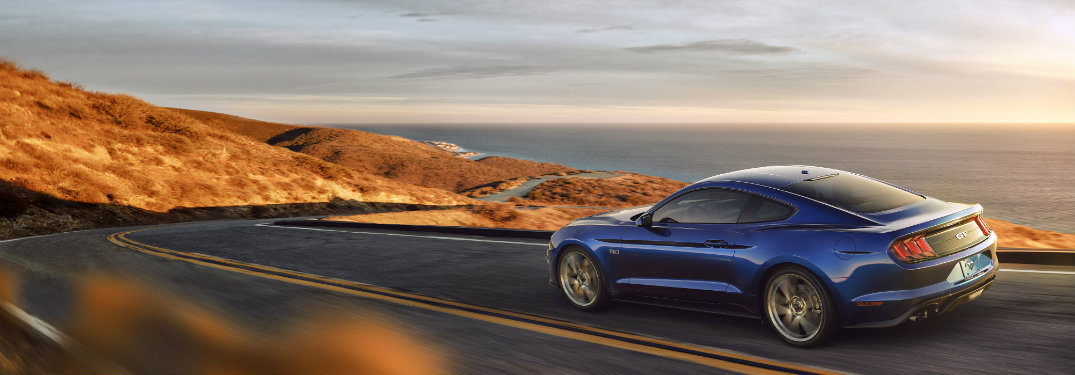 Be a Good Neighbor in the 2018 Mustang GT