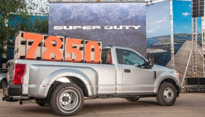Ford Super Duty Pickup with payload info disclosed in bed