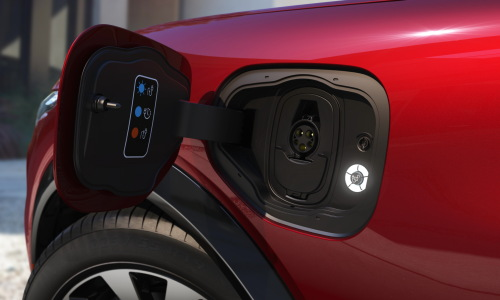 Mustang Mach-E offers Standard Range (75.7 kWh lithium-ion battery) and the Extended Range (98.8 kWh battery)