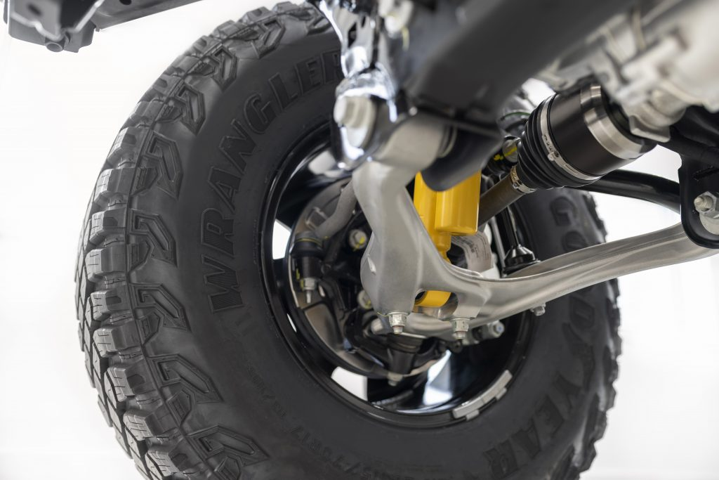 2021 Ford Bronco suspension and tire image