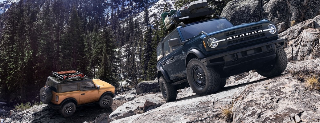 2021 Ford Bronco vehicles on a mountain