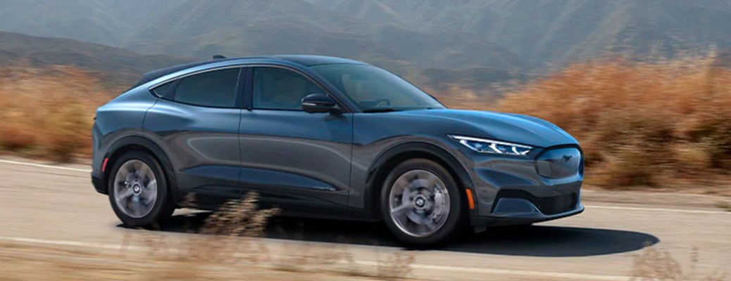 What vehicle won the Electric Vehicle of the Year award in 2021?