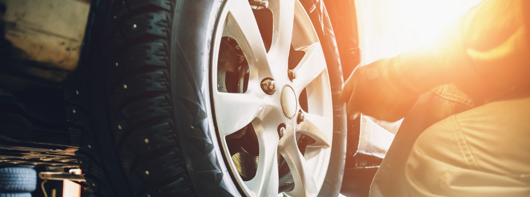 Step-By-Step Guide to Changing a Flat Tire