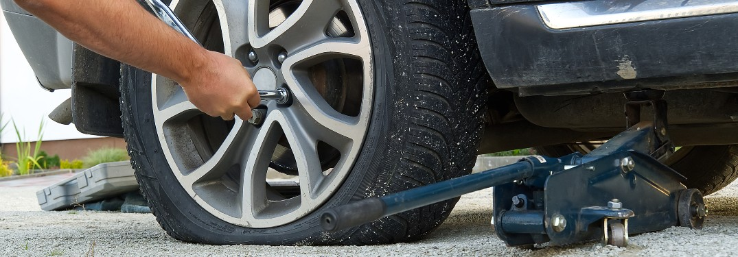 Become a Tire-Changing Wiz with Help from this Do It Yourself Video