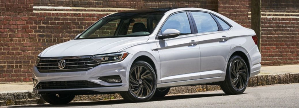 2019 Volkswagen Jetta in white
