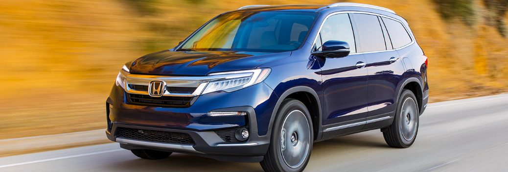 2019 Honda Pilot on the road