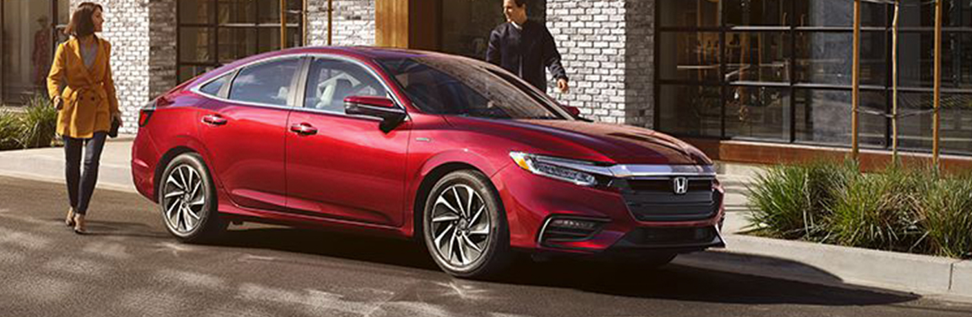 How can you locate hydrogen fuel stations for your Honda Insight vehicle?