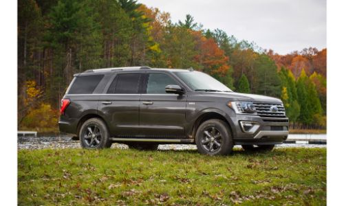 2020 Ford Expedition wide shot of the profile