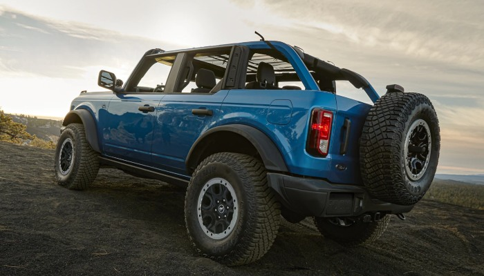 2021 Ford Bronco driving off-road