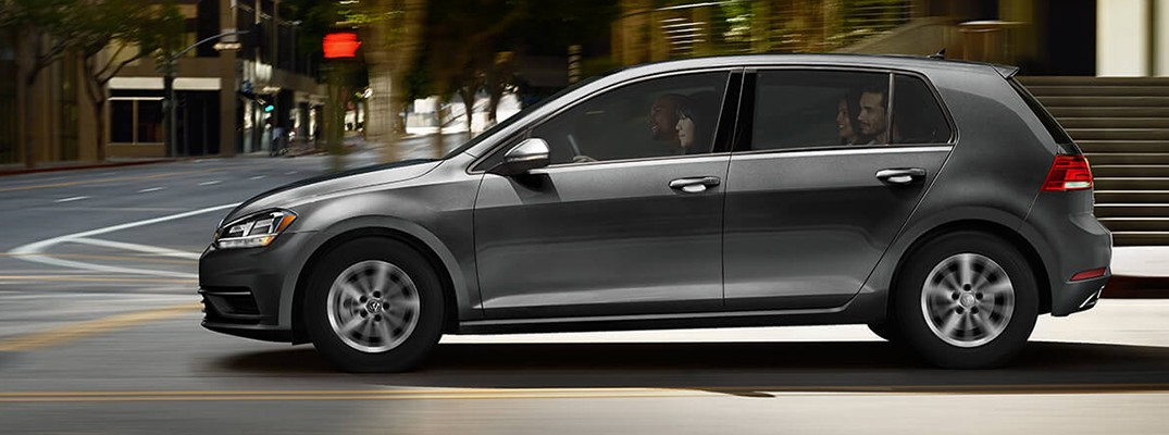 What are the carrying capacities of the VW Golf line?