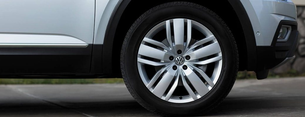 Isolated view of 2019 Volkswagen Atlas passenger side front tire
