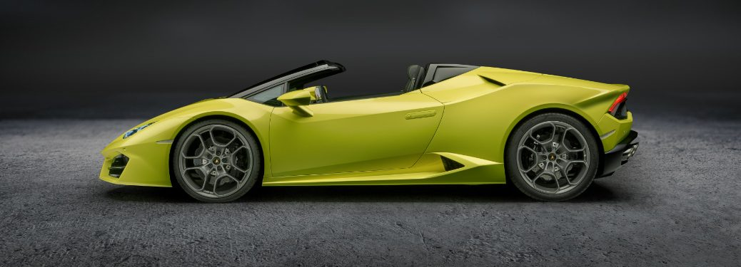 Lamborghini Huracan LP580-2 Spyder side view