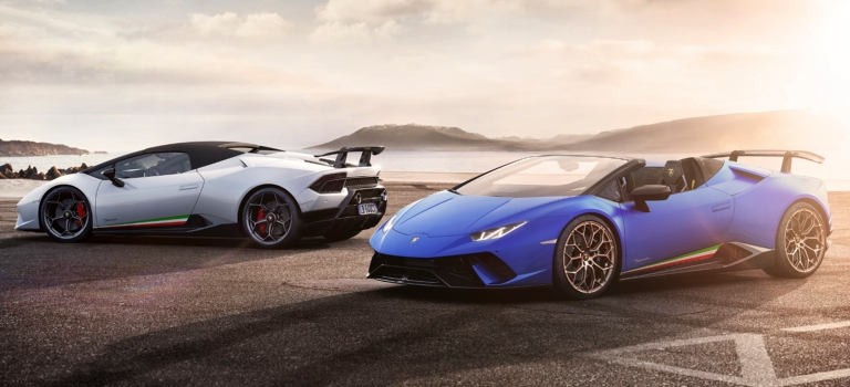 Lamborghini Huracan Performante Spyder models blue and white side view
