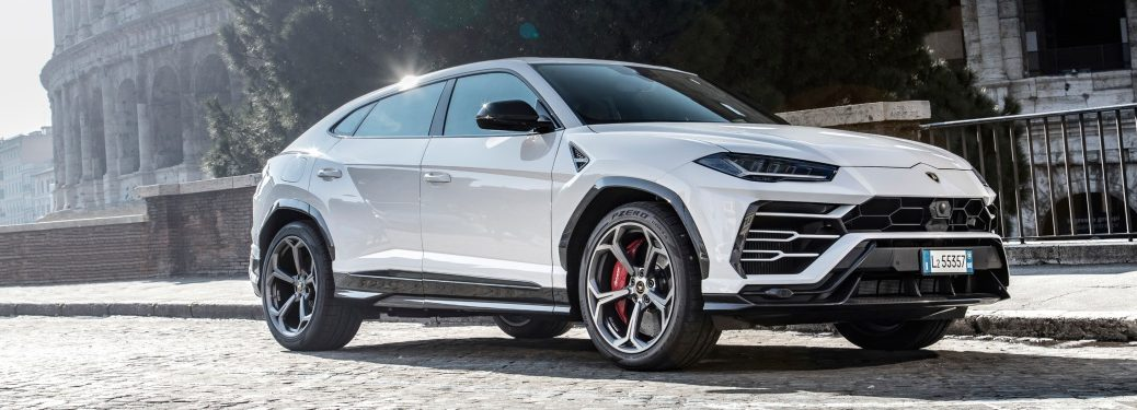 Lamborghini Urus white side view in Rome