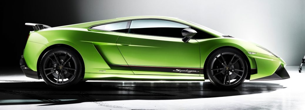 Lamborghini Gallardo Superleggera green front view