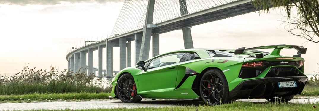 What transmission does the Aventador have?
