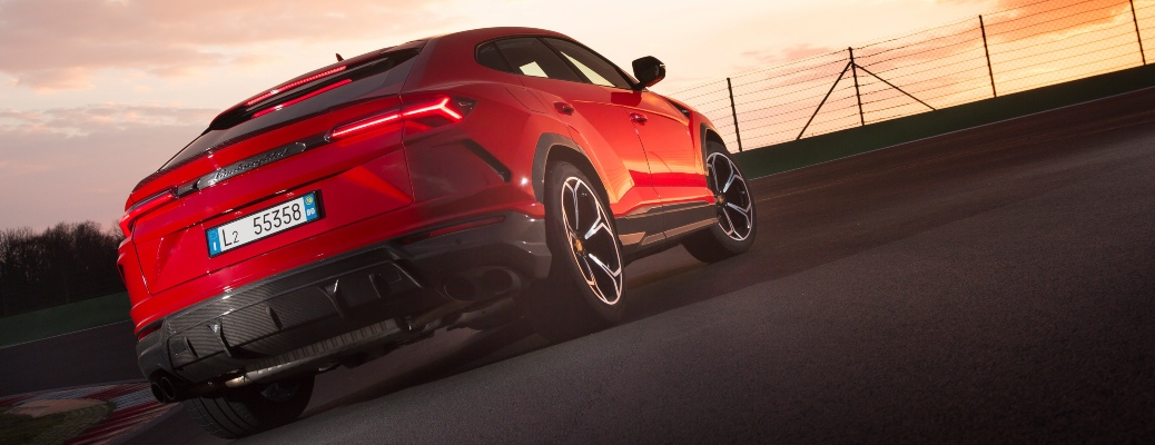 Is the Lamborghini Urus automatic?