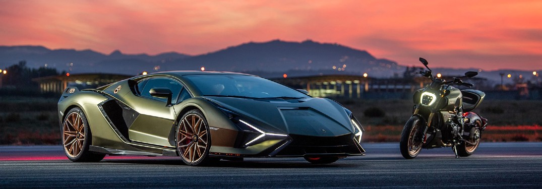 Check Out This Reveal Video of a New Lamborghini Model!