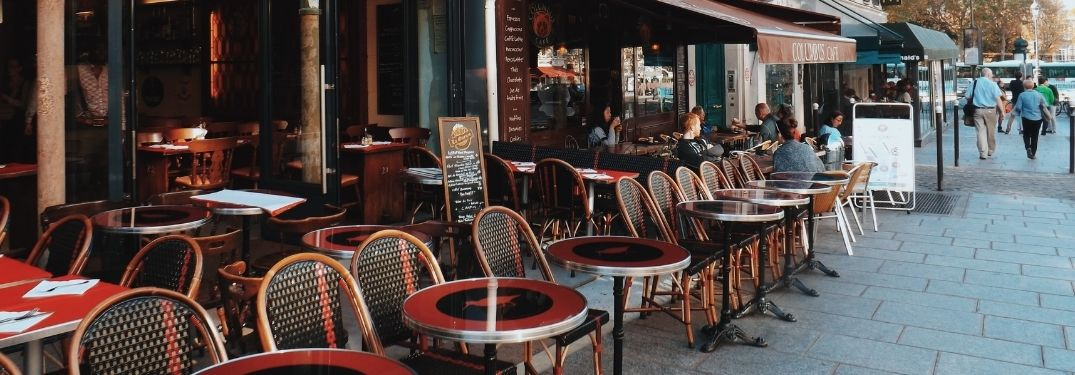 Where Can I Eat Outdoors in Palm Beach, Florida?