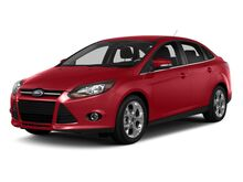 2014_Ford_Focus_SE Sedan_ Kansas City MO