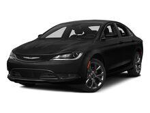 2015_Chrysler_200_S_ Kansas City MO