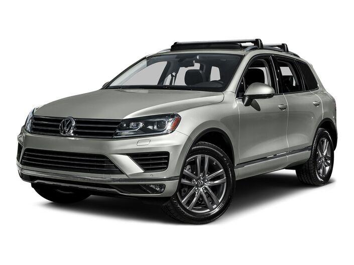 2015 Volkswagen Touareg TDI Lux Brookfield WI