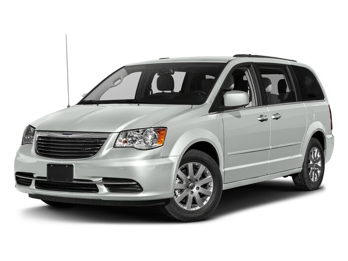 2016 Chrysler Town & Country MINIVAN Brookfield WI