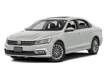 2016_Volkswagen_Passat_4DR SDN 1.8T AUTO SE PZEV_ Yakima WA
