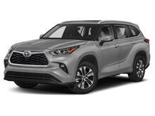 2021_Toyota_Highlander_XLE_ Delray Beach FL